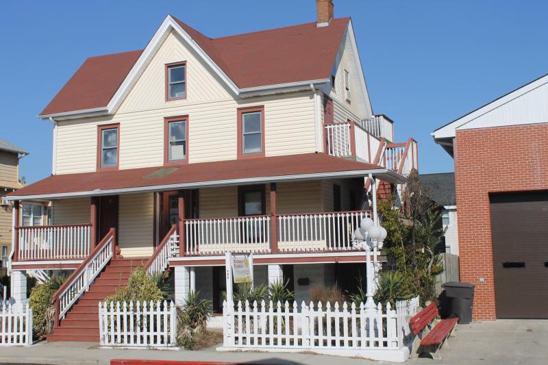 104 Dorchester Street -3d & 4th Floors - Multi-Families or Large Group - Ocean City - rentals