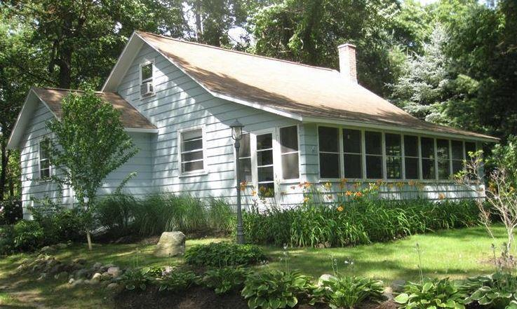 Summer Time Serenity!! - COZY COTTAGE NEAR SAUGATUCK! - Fennville - rentals