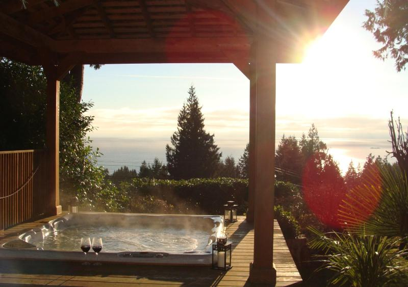 The Hot Tub - Suite On Velvet - Gibsons - rentals