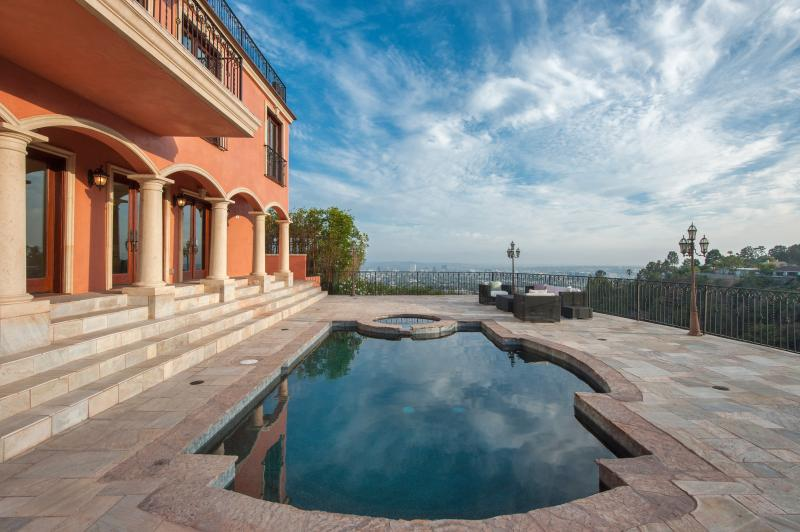 HUGE 3,000 SQ. FT DECK WITH A VIEW.  HEATED POOL AND SPA. - Hollywood Hills View Estate with Guesthouse 1-14 - Los Angeles - rentals