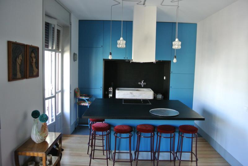 living/kitchen - urband & trendy dowtown B&B apartment - Porto - rentals