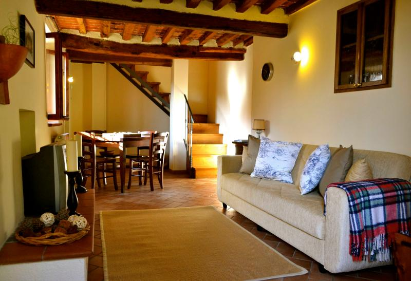Cozy living room - Tuscan Cottage for 4 - Cantagrillo - rentals