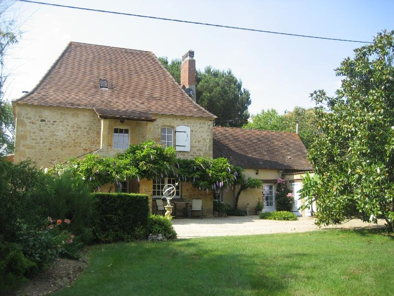 House from the garden - Superb house on the banks of the Dordogne River - Lalinde - rentals