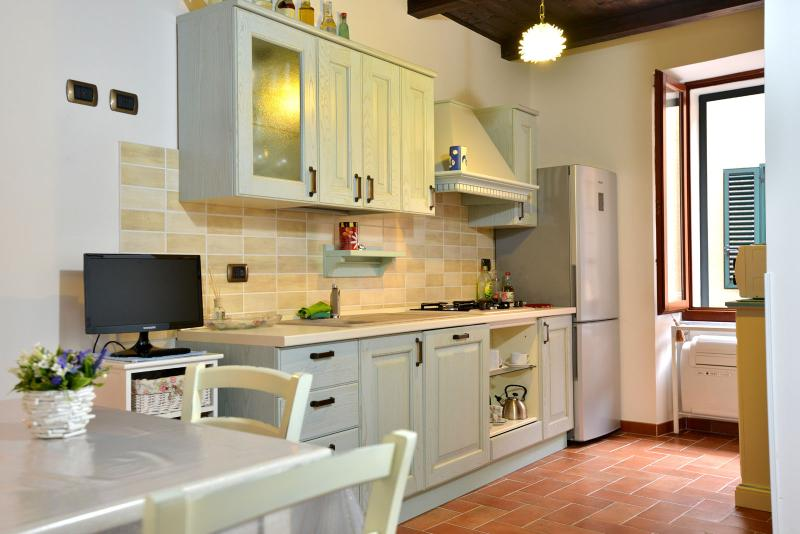 Kitchen - Perfect location in Old Town WITH FREE WI-FI - Alghero - rentals