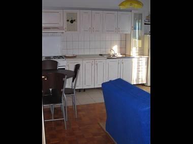 A2 (2+1): kitchen and dining room - 2839 A2 (2+1) - Tkon - Tkon - rentals