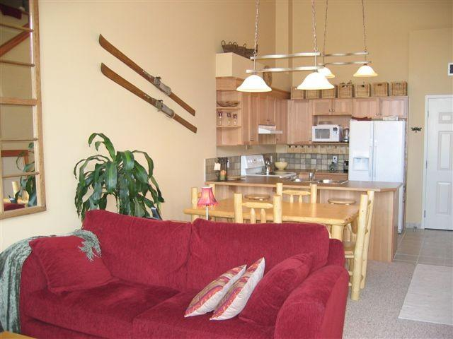 Cozy Canadiana Cabin Condo- Amazing views to Banff - Image 1 - Canmore - rentals