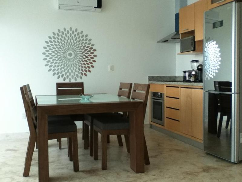 Beautiful Condo Bamboo. Good location. - Image 1 - Playa del Carmen - rentals