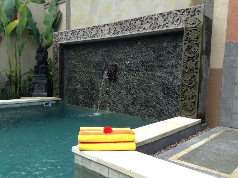 Artisan pool with hand carved stone and water features - Fabulous New Villa/Tranquil/Excellent Location - Ubud - rentals