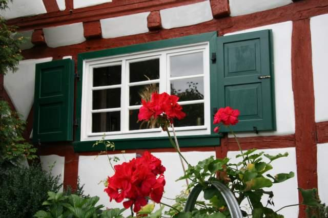 Red,white and green - the colours of Eco-house Lütz (Moselle valley) - Eco-house Lütz ( 18th century, Moselle, Germany) - Helmenzen - rentals