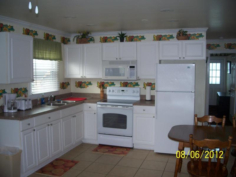 kitchen/dining room - Ocean City Md - 5th street downtown - Ocean City - rentals