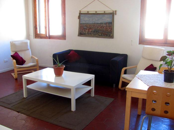 Large living room with expanding table - Liahona 4 bedroom Apartment in ideal location - Florence - rentals