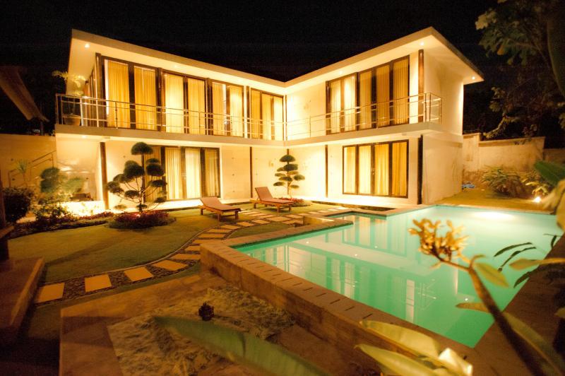 Outside View - Bali White Villa - Bali - rentals