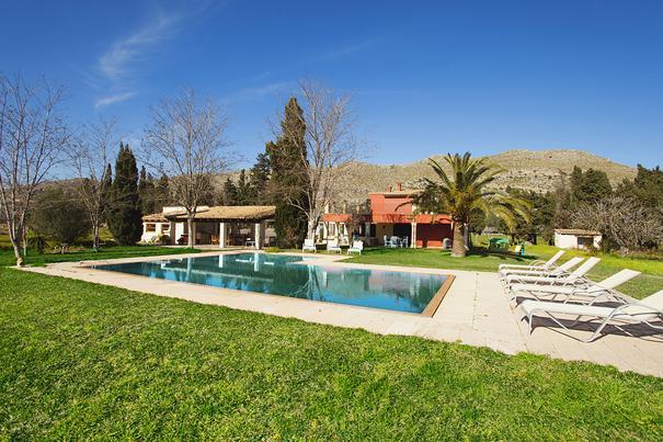 Fantastic 4 bedroom villa walking distance to town - Image 1 - Port de Pollenca - rentals
