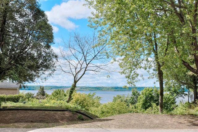 La vue sur le  fleuve St-Laurent - Loft le Malendor - Cap Sante - rentals
