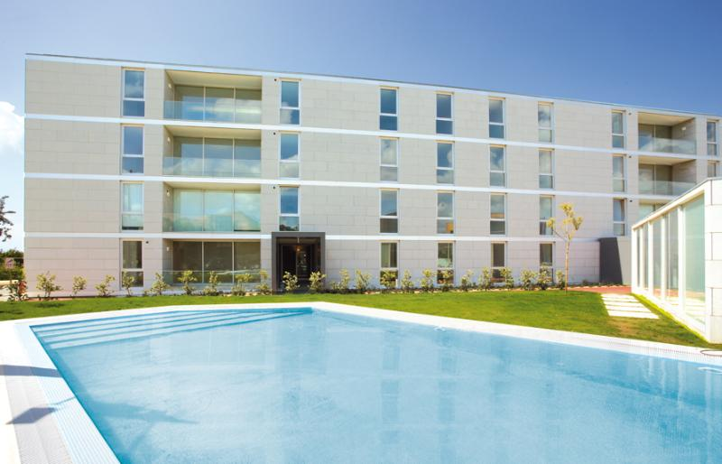 Apartment Complex and pool - Brand New Sunny Apt. on the Beach, Vila do Conde - Vila do Conde - rentals