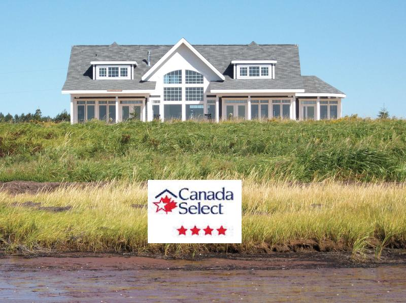 Luxury Ocean Cottage: Top rated Canada Select 4 Star - Herons Landing PEI - Casual Luxury Ocean Retreat - Annandale-Little Pond-Howe Bay - rentals