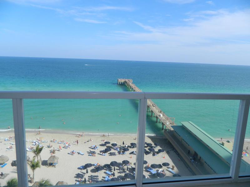 Oceanfront view from all rooms - LA PERLA OCEAN FRONT SPECTACULAR VIEW - Sunny Isles Beach - rentals