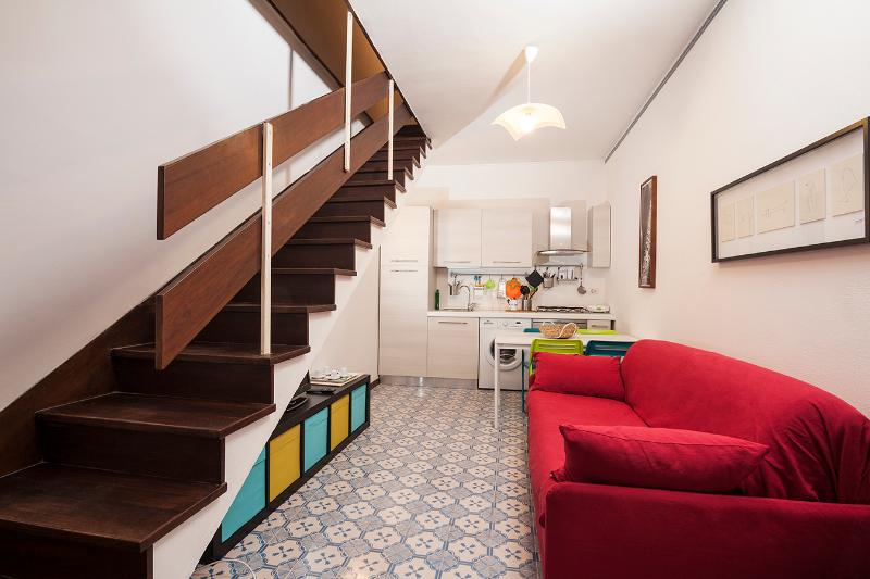 Living Room with a sofa bed - One-bedroom Apartment (maximum 4 people) - Rome - rentals