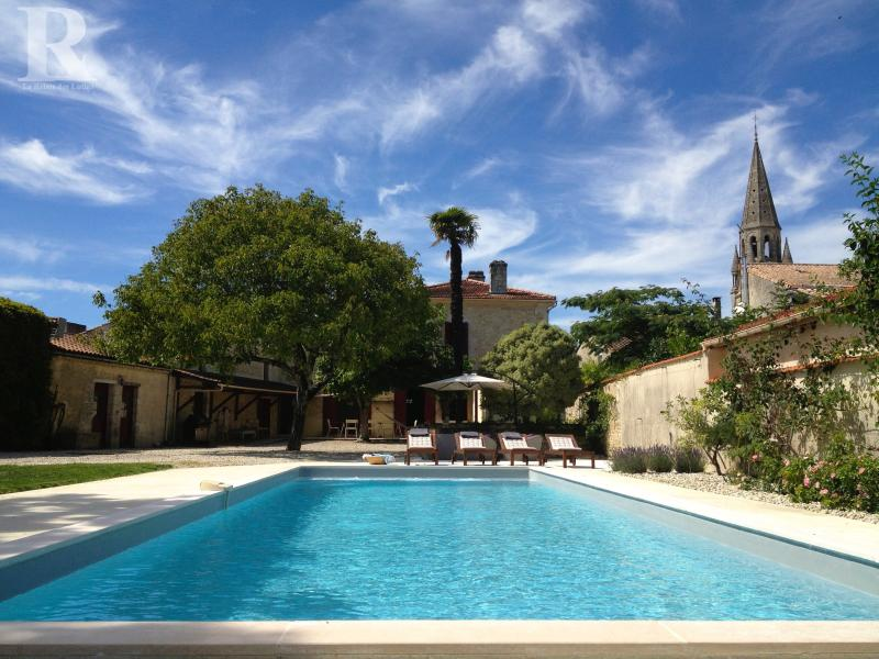 House & Pool with village church in background - Stylish House with Pool, Médoc Vineyards & Ocean - Begadan - rentals