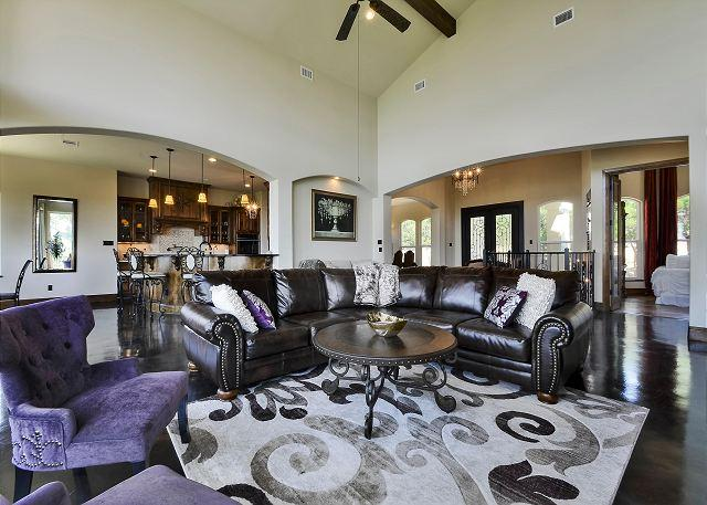Living Space - Luxury 4BR/3.5BA Jonestown Home - Stunning Lake Views & Clubhouse Access - Jonestown - rentals
