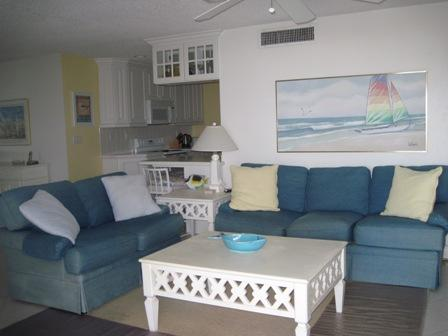 Living Room - Poolsiide Large Garden Unit E - Siesta Key - rentals