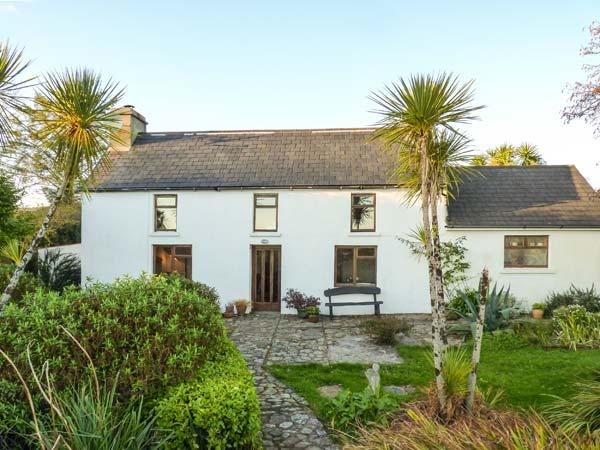 FARMHOUSE, pet-friendly, woodburner, rural views, detached cottage near Ballydehob, Ref. 31098 - Image 1 - Ballydehob - rentals