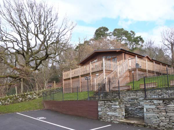 HIGH VIEW LODGE, en-suite facilities, WiFi, on-site facilities including pool, detached lodge near Troutbeck Bridge, Ref. 903990 - Image 1 - Troutbeck Bridge - rentals
