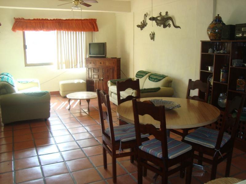 HOTEL ZONE LAS GLORIAS IN PUERTO VALLARTA CONDO - Image 1 - Puerto Vallarta - rentals