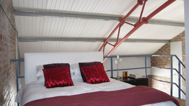 Main bedroom - Stylish 2 bedroom loft overlooking  Atlantic Ocean - Sea Point - rentals