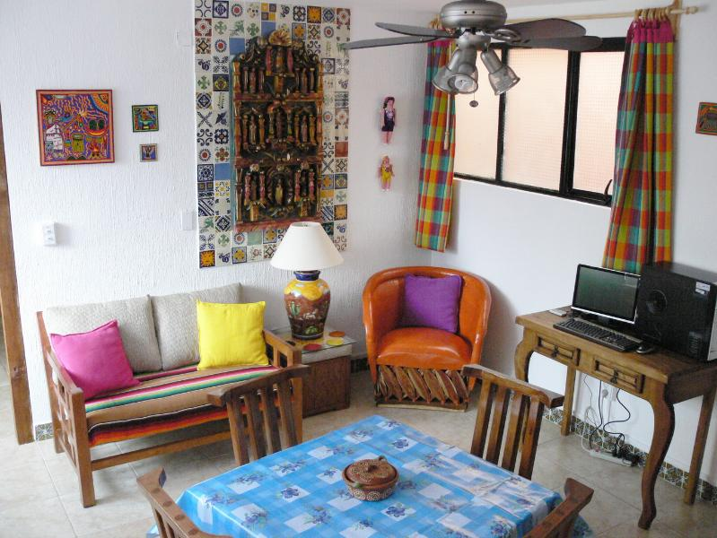 Living room - Guanajuato's Best Value Apt. 1 - 130 five-star reviews! - Guanajuato - rentals
