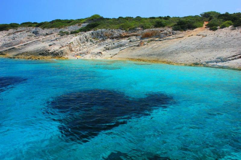 crystal clear sea at Proizd beach - NEW APARTMENT 2+2  NEAR THE BEACH - Vela Luka - rentals