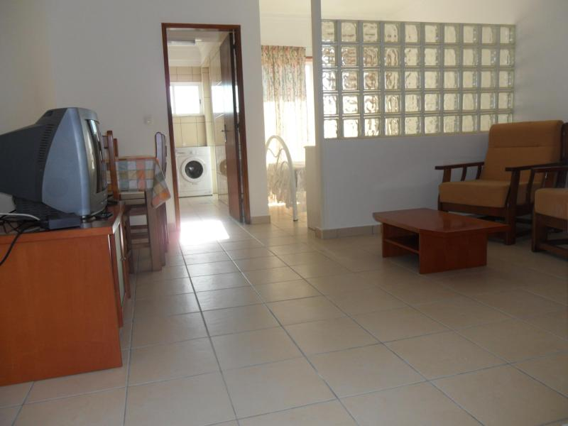 Living and dining area - Super large Studio 3 mins   to the beach / GH7S7 - Quarteira - rentals