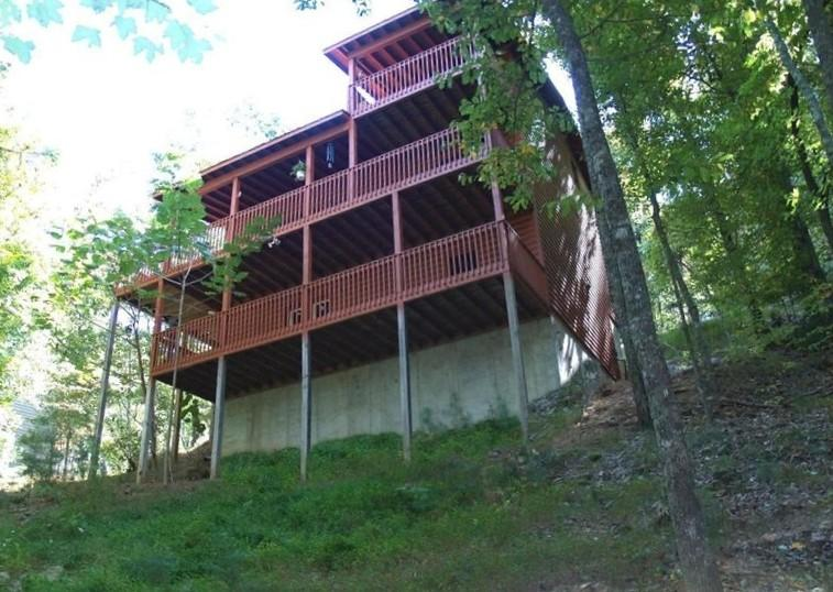 Front View - BRAND NEW GAME ROOM in amazing cabin for $125.00 - Ellijay - rentals