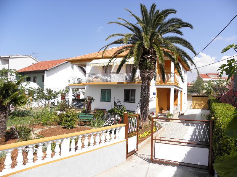 Zadar, apartment for 3 persons near the sea - Image 1 - Zadar - rentals