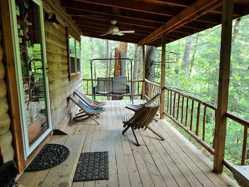 Front porch - Torrent Falls - Climber's Cabin - Campton - rentals