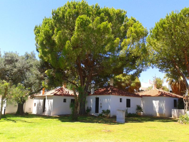 Villa in Pedras del rei Resort - Peace & Quiet w/ beautiful gardens in Algarve - Santa Lucia - rentals
