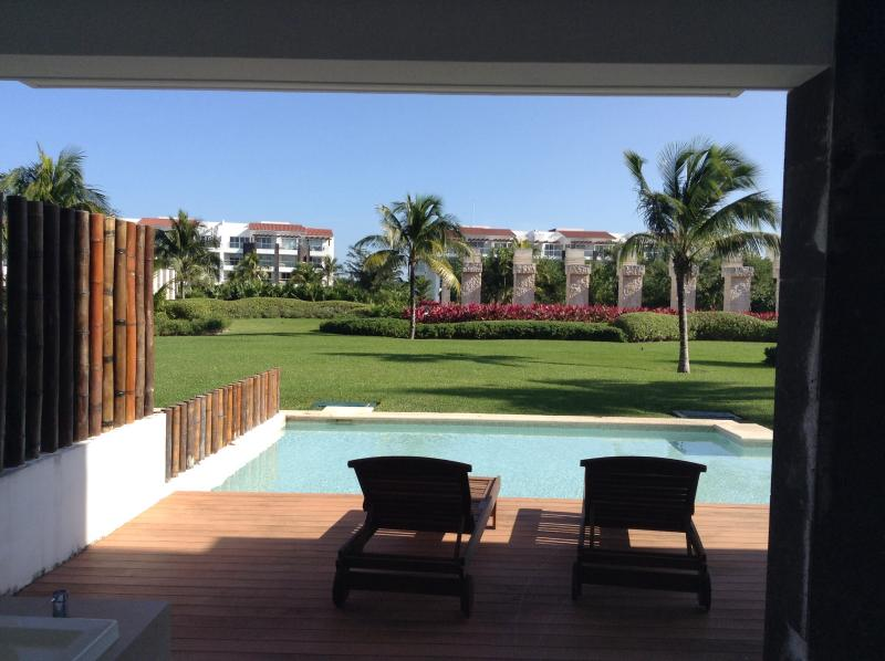 Garden view from terrace - Beautiful Mareazul Grand Coral Condo - Playa del Carmen - rentals