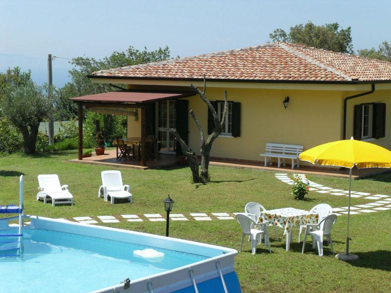 Villa Mimosa with 2000mq of garden, in quiet and peaceful area near the sea - Villa Mimosa, Papavero apt quiet area Tropea pool - Tropea - rentals