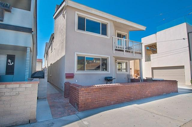 Front - 106 B 30th Street- Upper 3 Bedrooms 2 Baths - Newport Beach - rentals