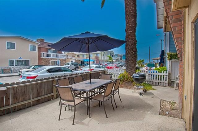 Patio - 121 A 28th Street- Lower 2 Bedroom 2 Bath - Newport Beach - rentals