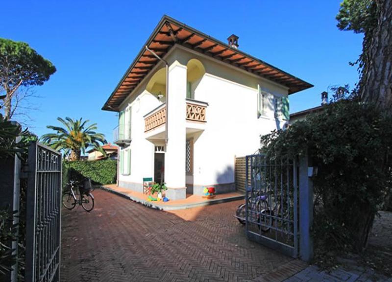 Villa Callista - Image 1 - Forte Dei Marmi - rentals
