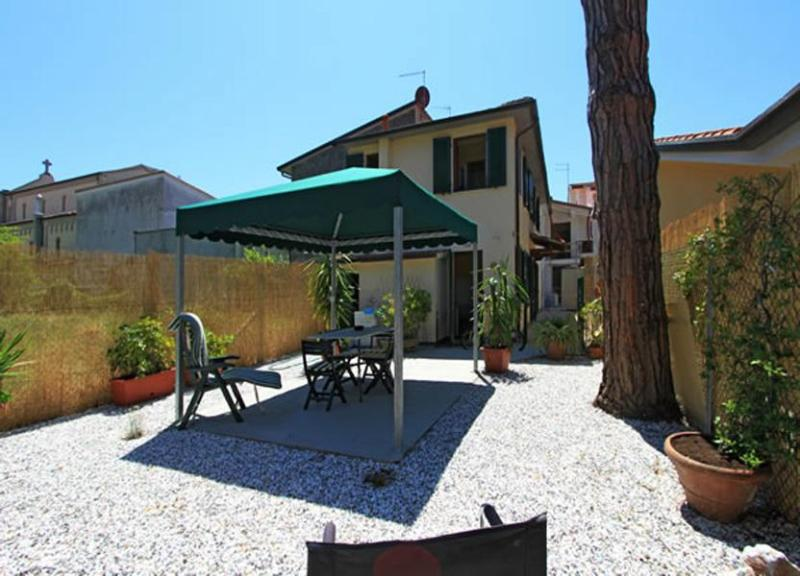 Villa Bettina - Image 1 - Forte Dei Marmi - rentals