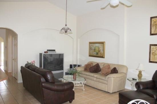 Beautiful 4 Bedroom Pool House in Kissimmee. 4634CLD - Image 1 - Orlando - rentals