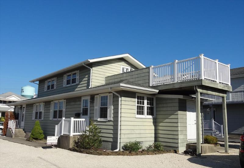 265 98th Street Stone Harbor NJ Front Exterior view Rear Unit - 265 98th Street in Stone Harbor, NJ - ID 627442 - Stone Harbor - rentals