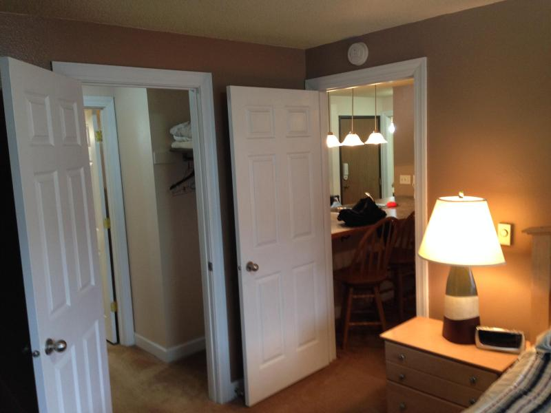 2 Bed 2 Bath, Hot Tub, Cable & Internet - Image 1 - Lead - rentals