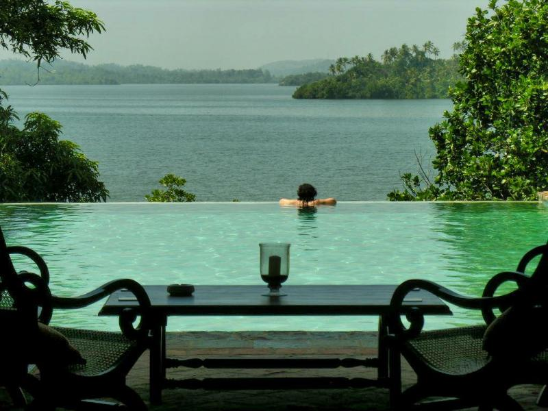 Veranda & pool view - Lakeview Villa, Koggala Lake, Galle - Ahangama - rentals