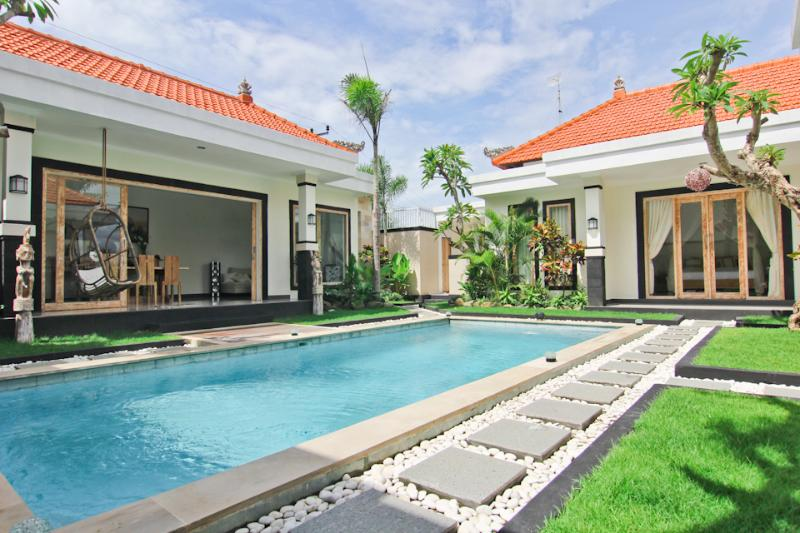 New villa built 2014. 3 separate pavilions around pool. - Villa Ambient  with volcano view. Seminyak/Umalas (3bdr) - Seminyak - rentals