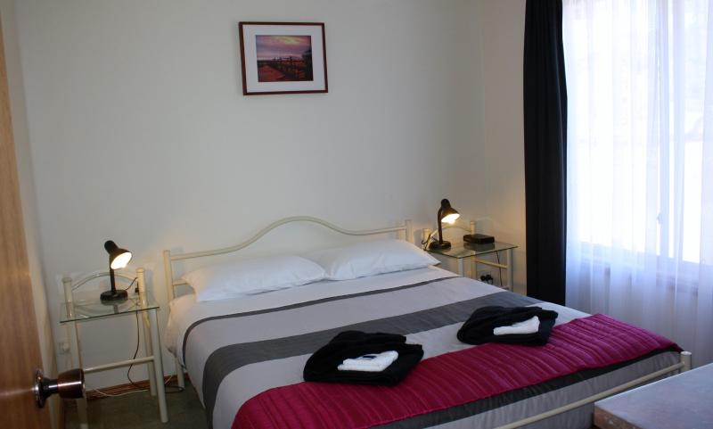 queen size room - Cape Jervis Holiday Unit - Cape Jervis - rentals