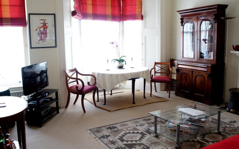 Living Area - The Romance Apartment - London - rentals