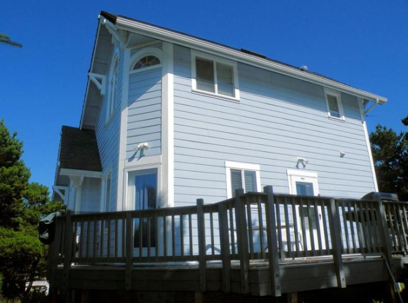 Wonderful dog-friendly home close to the sandy beach shores & Historic Downtown - Image 1 - Florence - rentals